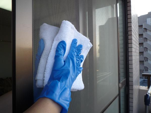 窓ガラス・網戸・サッシを大掃除でキレイにするときのコツ