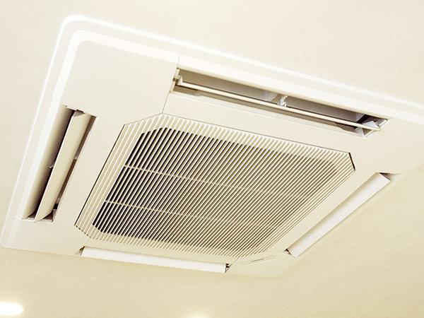 エアコンクリーニング家庭用天井埋込タイプ《簡易清掃》